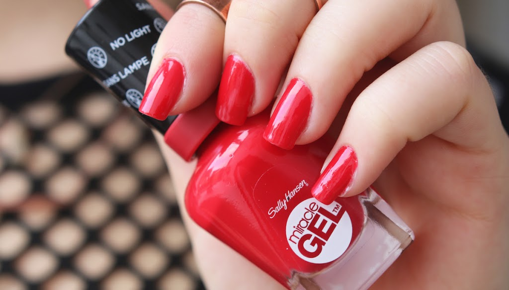 REVIEW: SALLY HANSEN MIRACLE GEL POLISHES - Lily Like