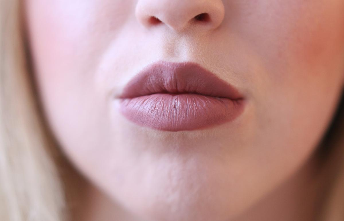 Eccezionale REVIEW: KYLIE JENNER LIP COMBO 3.0 - MAC WHIRL & HONEYLOVE - Lily Like YL15