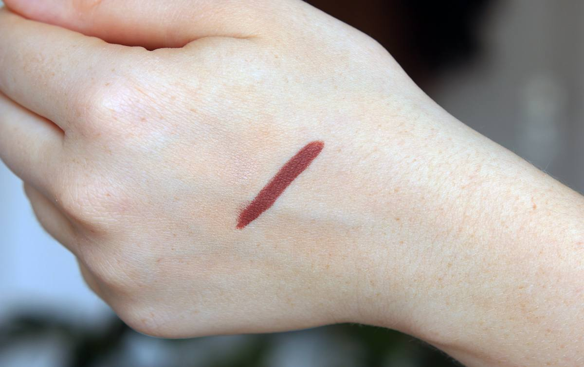 Très REVIEW | MAC SPICE LIP PENCIL - Lily Like CB69