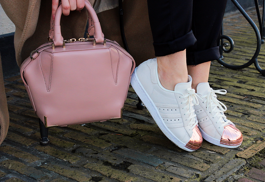 OUTFIT OF THE DAY | Rose Gold Adidas Sneakers ...