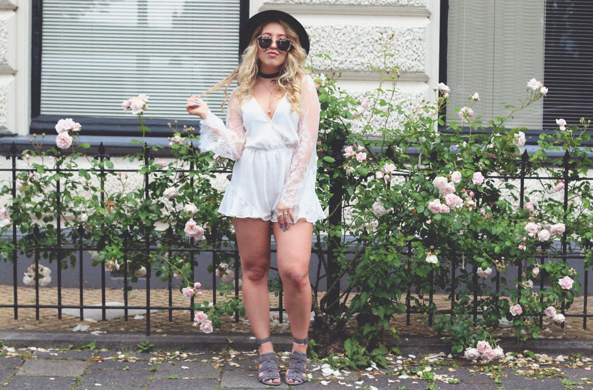 OUTFIT OF THE DAY | Lace Playsuit