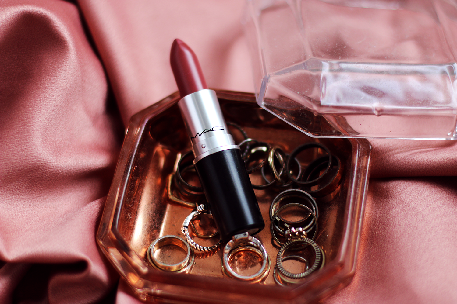 Super REVIEW | MAC Mehr Lipstick - Lily Like LH95