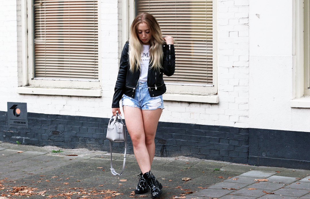 OUTFIT OF THE DAY | Marble Dr Martens