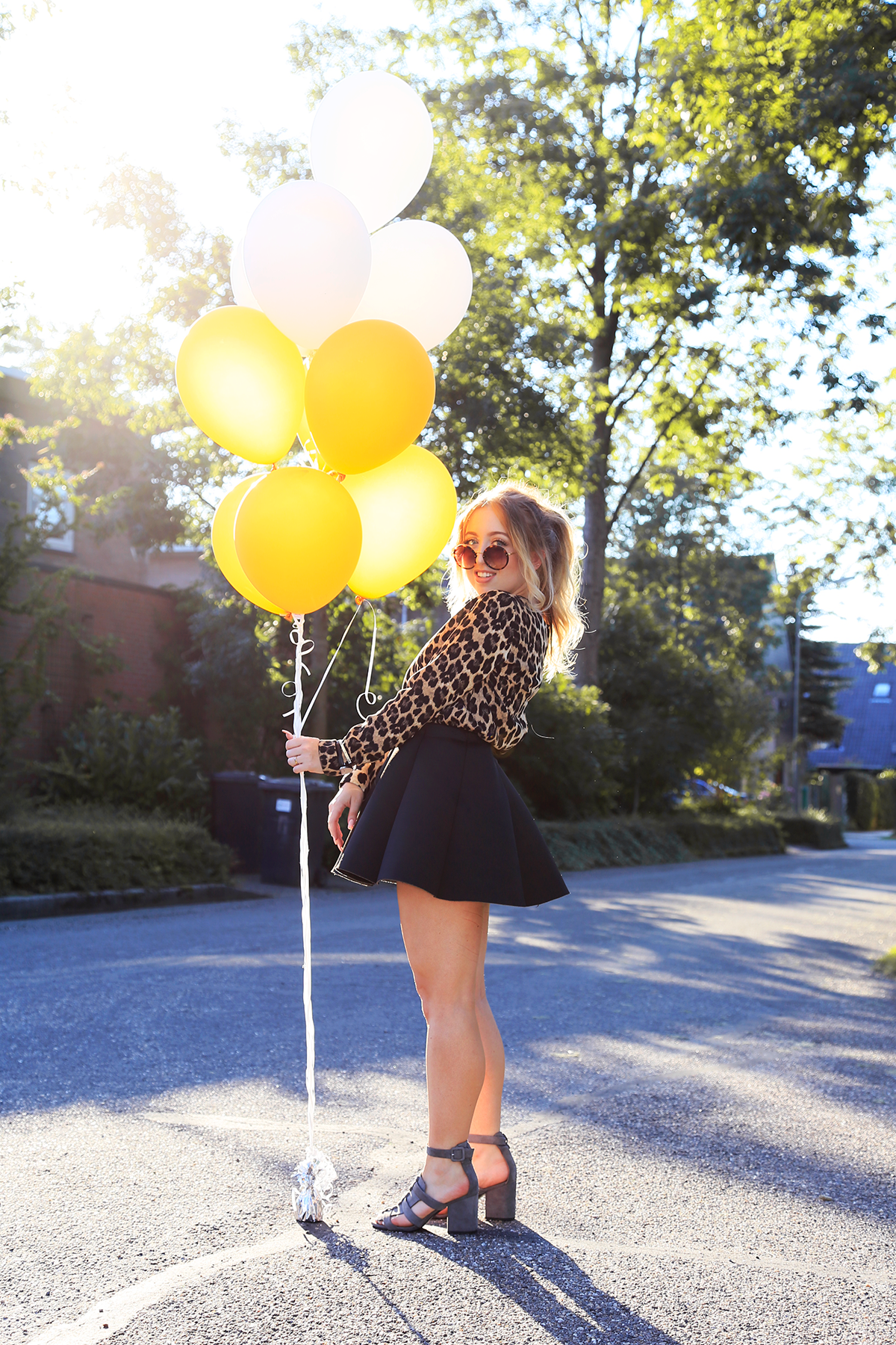 OUTFIT OF THE DAY | Golden Balloons