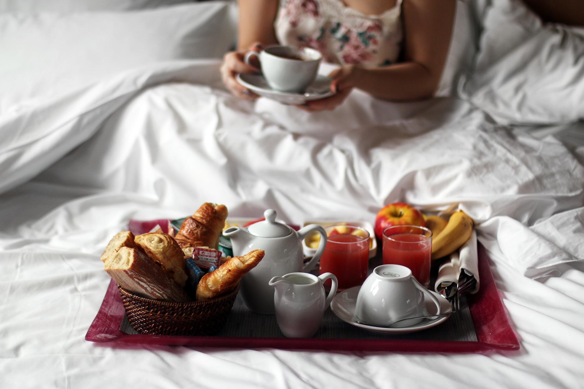 Breakfast in Bed in Paris - Lily Like