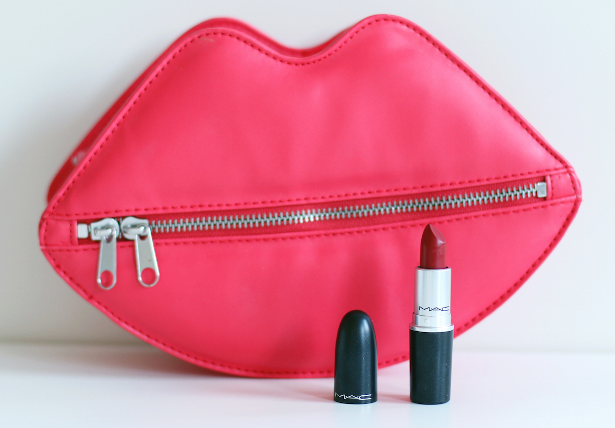 REVIEW MAC RUSSIAN RED LIPSTICK PERFECT RED LIP