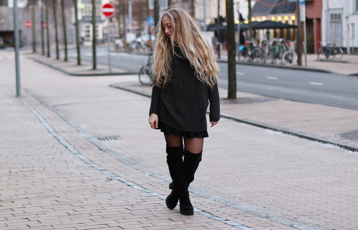 Michaela M. H&M Overknee Boots, H&M Oversized Sweater