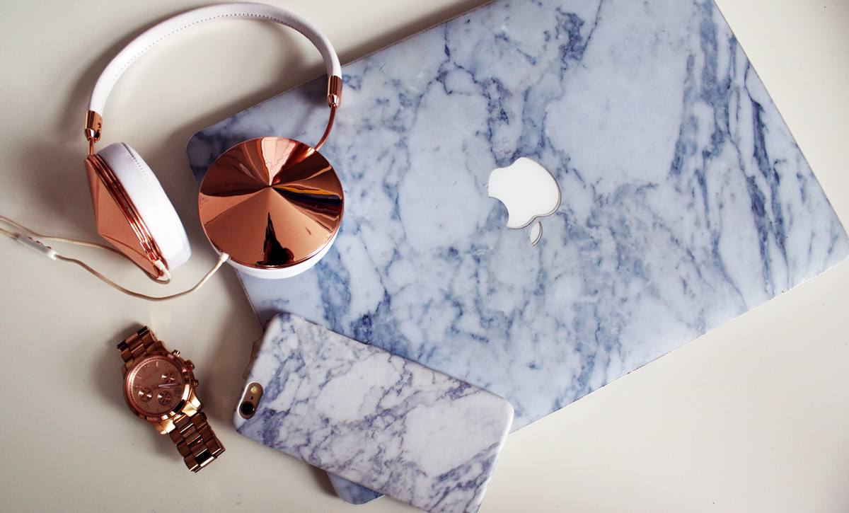 BLOG TIPS | How To Marble-ize Your Phone & Laptop + Giveaway