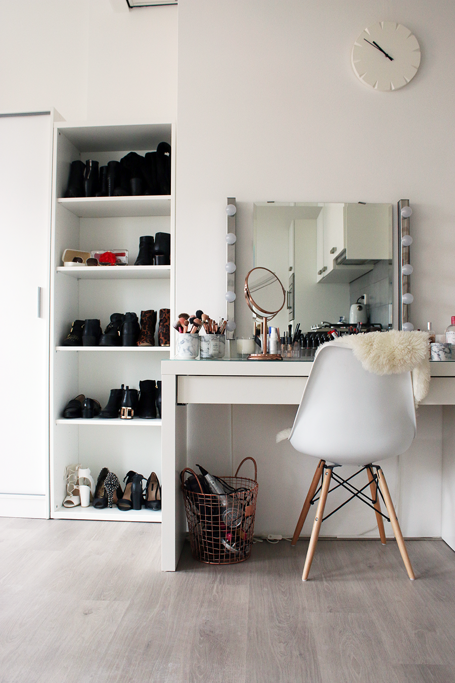 INTERIOR | Updated Make-Up Vanity Tour - Lily Like on Make Up Room Design  id=19696