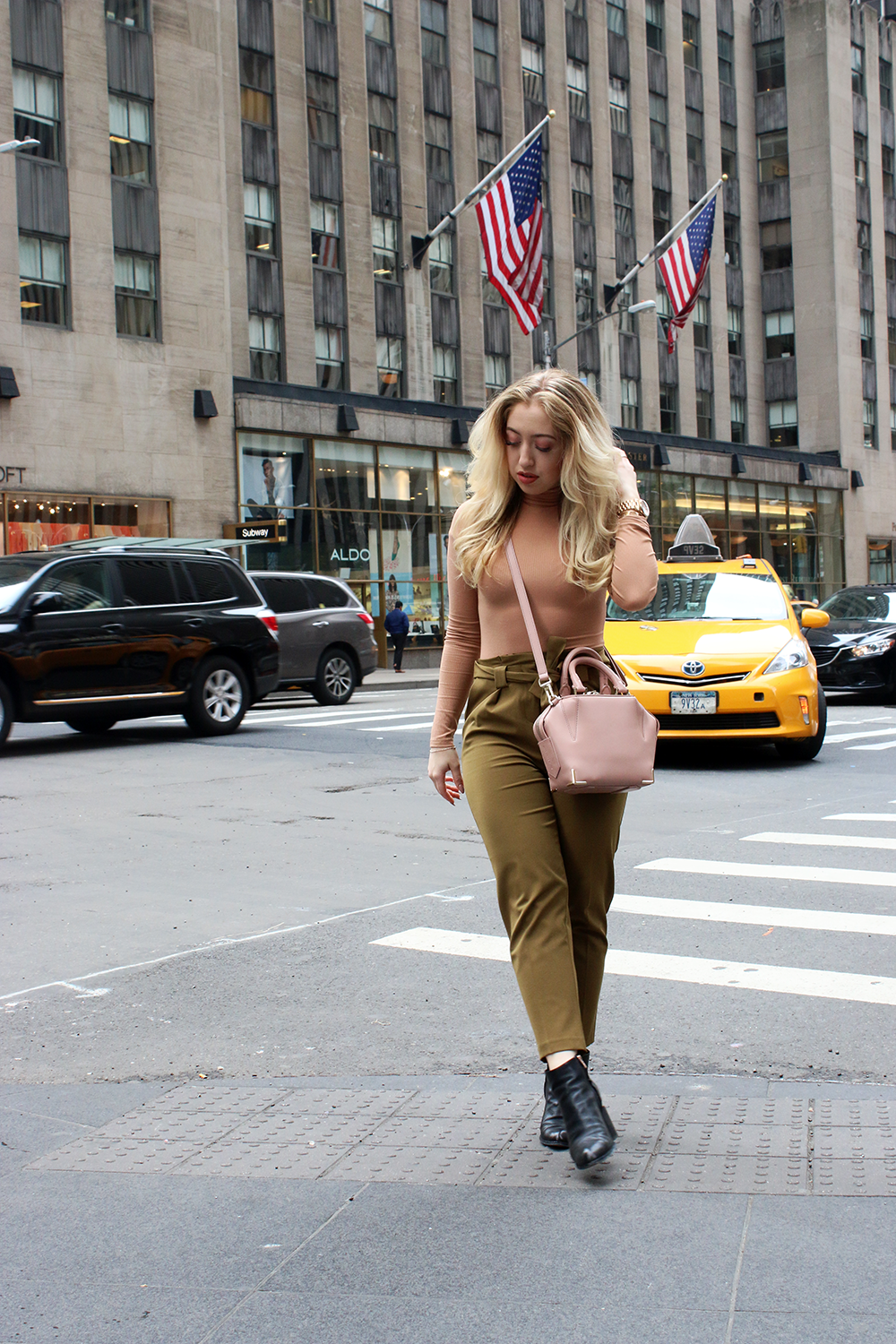 OUTFIT OF THE DAY   Khaki & Nude