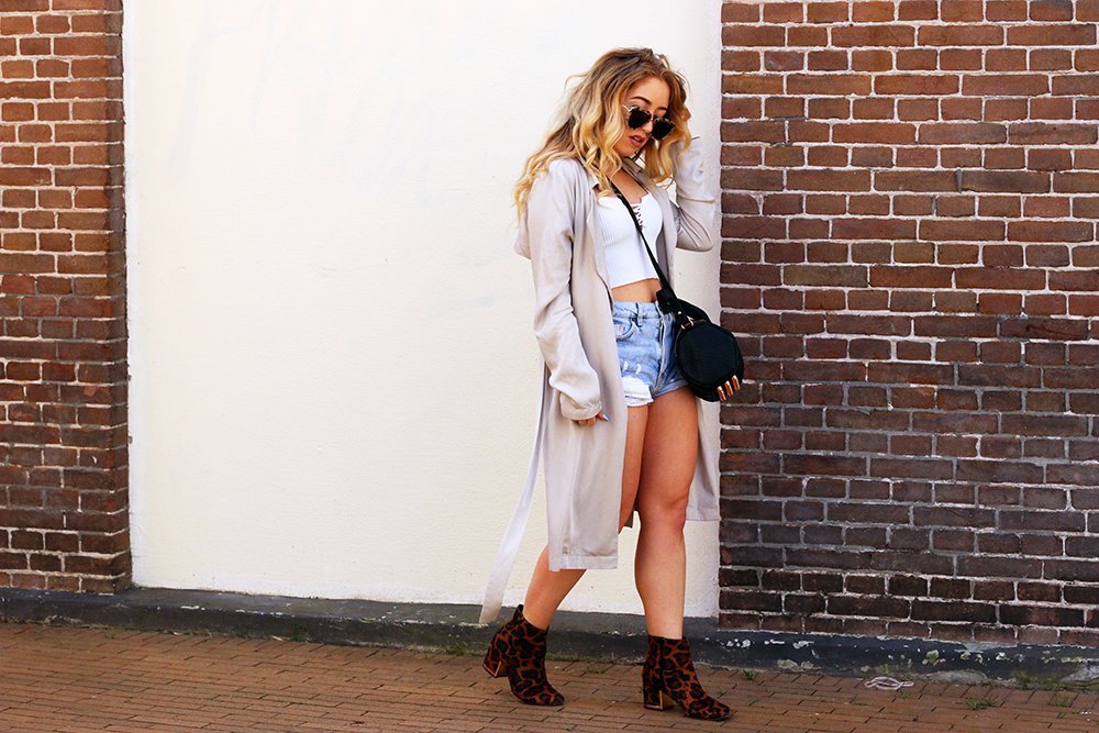 OUTFIT OF THE DAY   Lace-up & Leopard