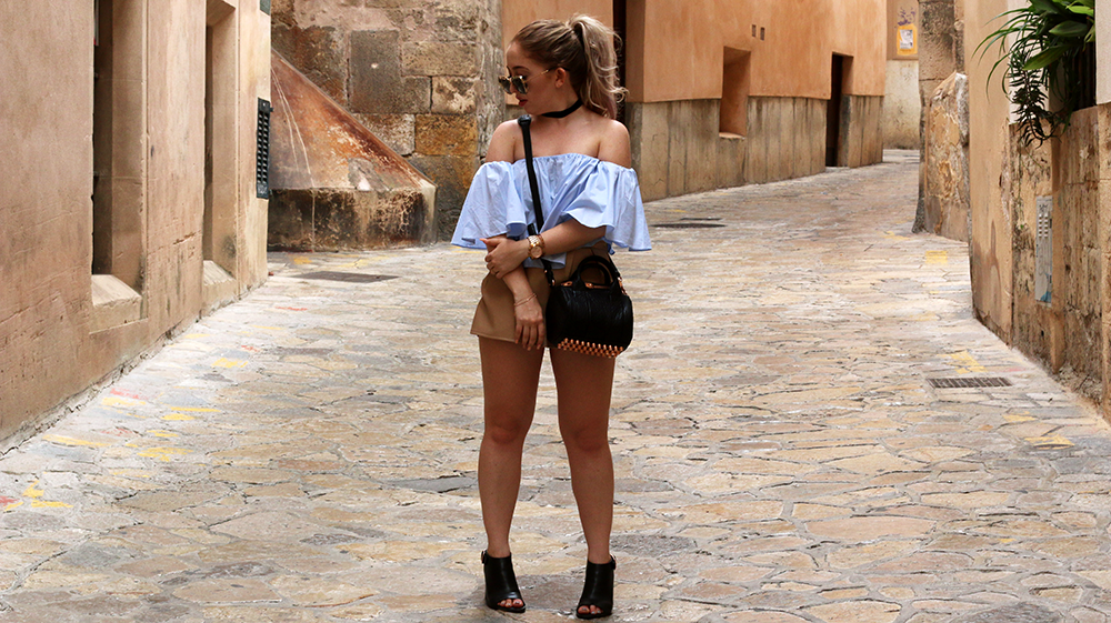 OUTFIT OF THE DAY | Off Shoulder Butterfly Top