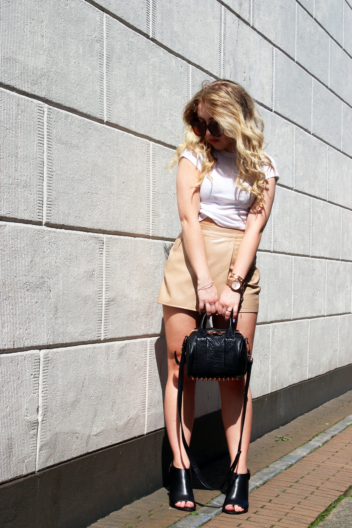 OUTFIT OF THE DAY | Nude Skort