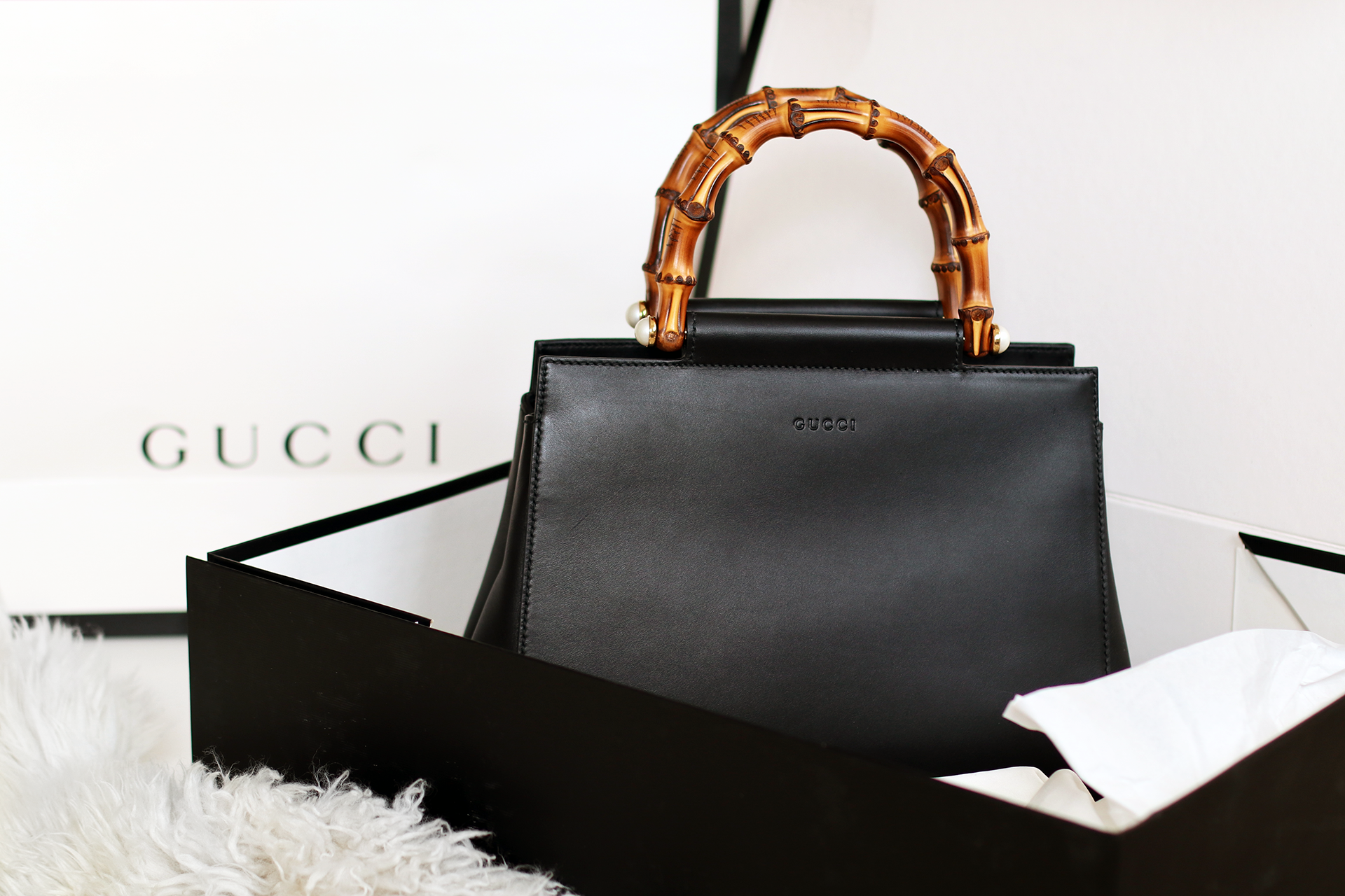 f52008b2618 Gucci Nymphaea Designer Bag - Lily Like